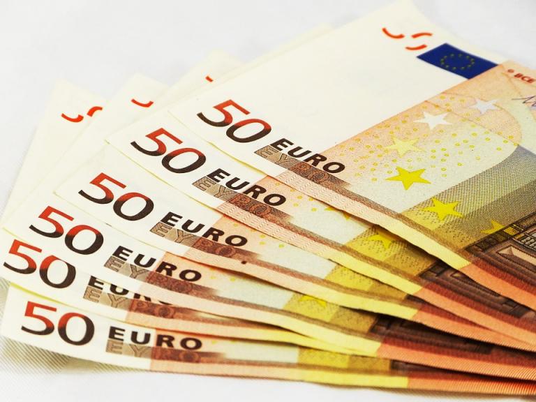Obstawiaj i wygrywaj więcej u bukmachera STS. Extra bonusy dla graczy pula nagród 25 000 PLN